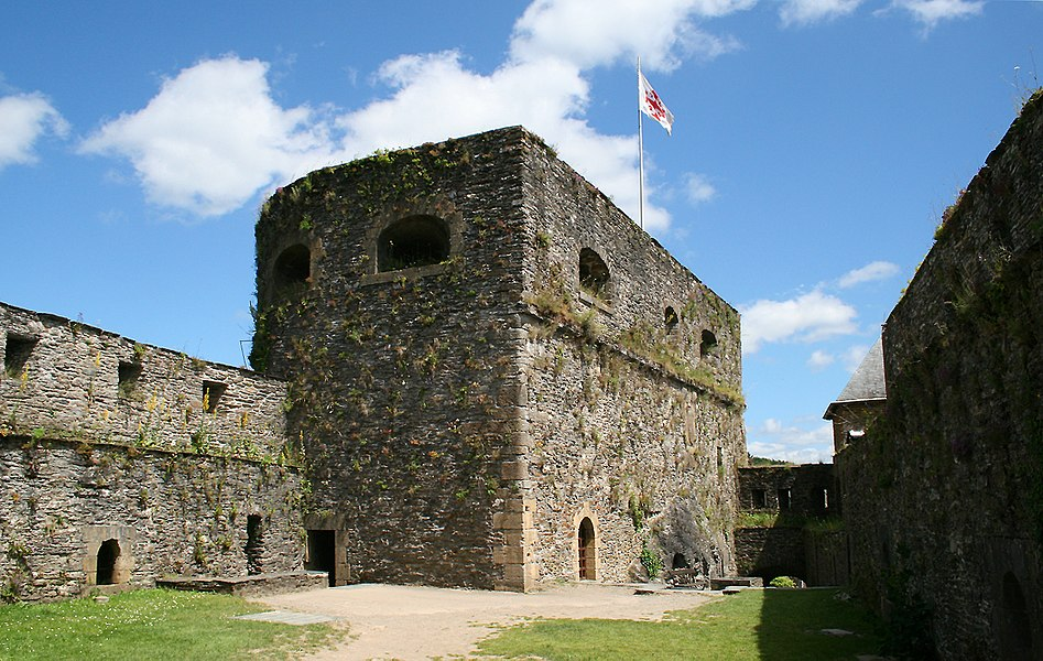 Bouillon (Belgium), Austrian tower of the fortified castle (Xth–XVIth centuries).
