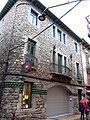 129 Edifici de les Monges, c. València 44 (Camprodon).JPG
