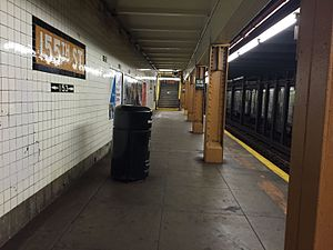 155th Street (IND Eighth Avenue Line) - Brooklyn bound platform