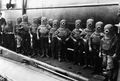 1908. Экипаж подводной лодки в скафандрах.png