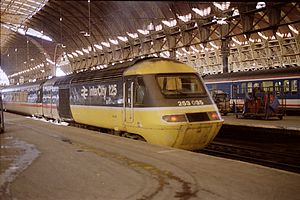 InterCity 125 - InterCity 125 in London Paddington in 1988.