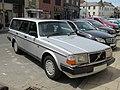 1990 Volvo 240 GL 2.3 (245) Front.jpg