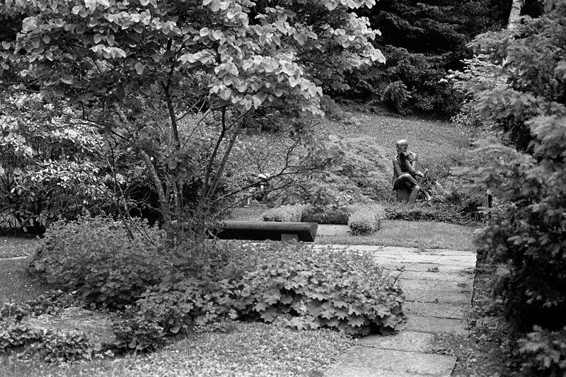 File:2003 Zurich James Joyce Fluntern cemetery 02.jpg