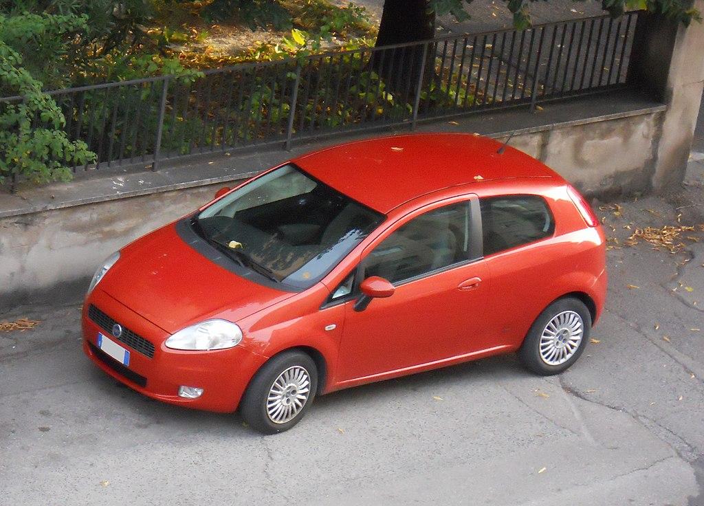 File2005 Fiat Grande Punto Redg Wikimedia Commons