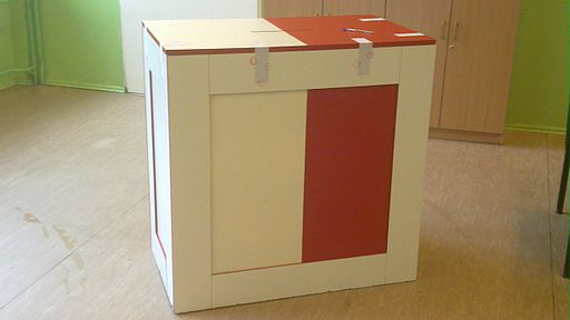 2010 Poland elections round 2 ballot box
