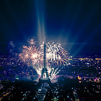 2013 Fireworks on Eiffel Tower 49.jpg