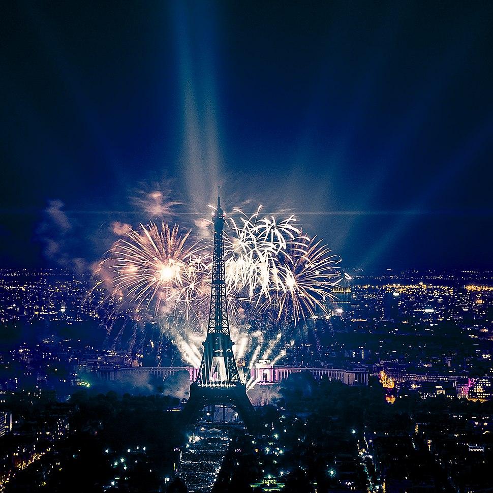 2013 Fireworks on Eiffel Tower 49