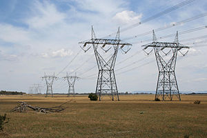 Energy in Victoria - 500 kilovolt transmission lines to the north of Melbourne