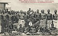 Adjiki, roi de Porto-Novo, ses ministres et sa cour.jpg