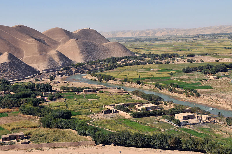 File:Afghan village by river in 2011.jpg
