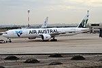 Air Austral, F-OLRE, Boeing 777-39M ER (43459176920).jpg