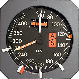 Airspeed indicator - Airspeed indicator and Machmeter of a large jet aircraft with moveable pointers (bugs) at the bezel