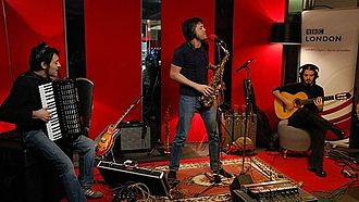 Alejandro Toledo (musician) - Image: Alejandro Toledo performing at BBC radio