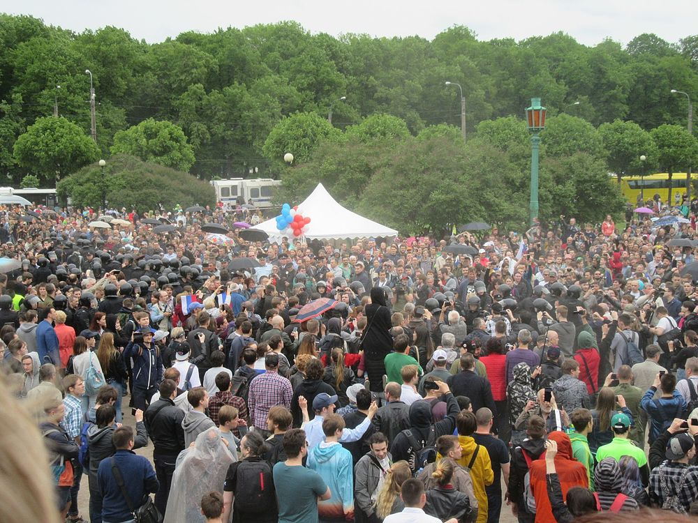 Anti-Corruption Rally in Saint Petersburg (2017-06-12) 45.jpg