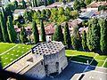 Aquileia Cattedrale Santa Maria Assunta Blick vom Campanile aufs Baptisterium.JPG