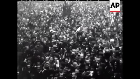 File:Armistice Day 1918 - No sound.webm