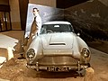 Aston Martin DB5, James Bond 06.jpg