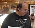 Astronomer Alan Hale at the Cosmic Carnival held at Cottonwood Mall in Albuquerque on Sept. 10th, 2005 (cropped).jpg