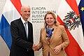 Außenministerin Kneissl empfängt niederländischen Amtskollegen Stef Blok (44591407764).jpg