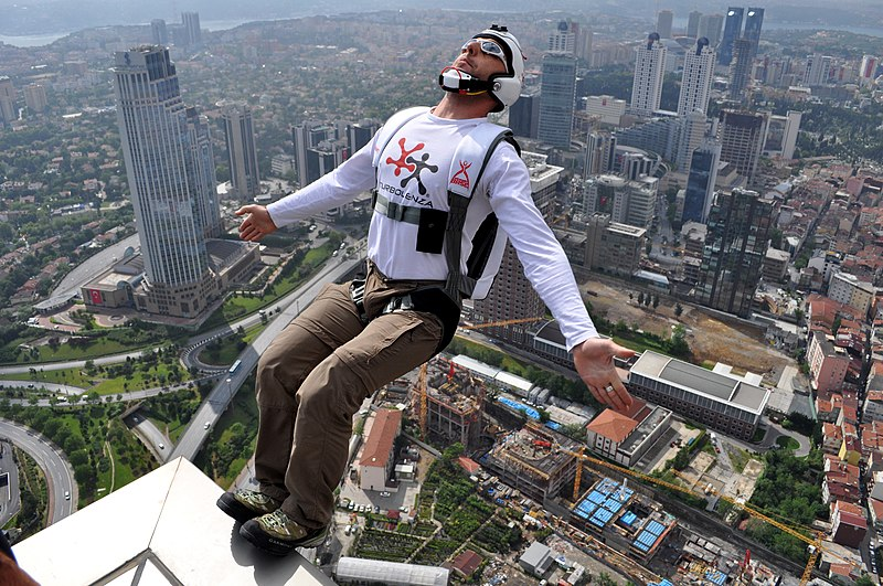 File:BASE Jumping from Sapphire Tower in Istanbul.jpg