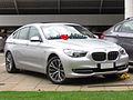 BMW 550i GT 4.4 2011 (8365323091).jpg