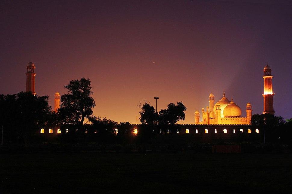 Badshahi-Mosque-Lahore-Night