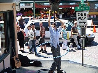 Hula hoop - Image: Balancing a guitar & hula hoop