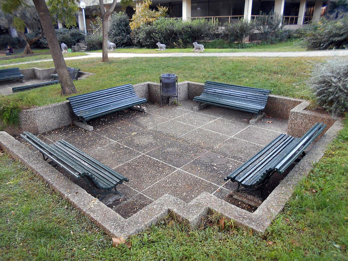 Mobiliario urbano de barcelona wikipedia la for Ejemplos de mobiliario urbano