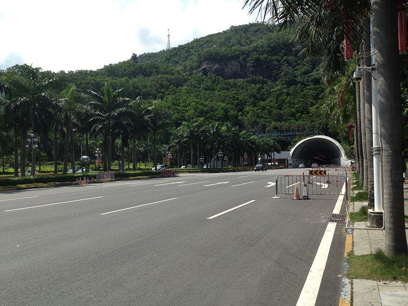 File:Banzhangshan Tunnel.jpg