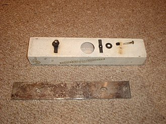 Chime bar - Image: Bar chime disassembled