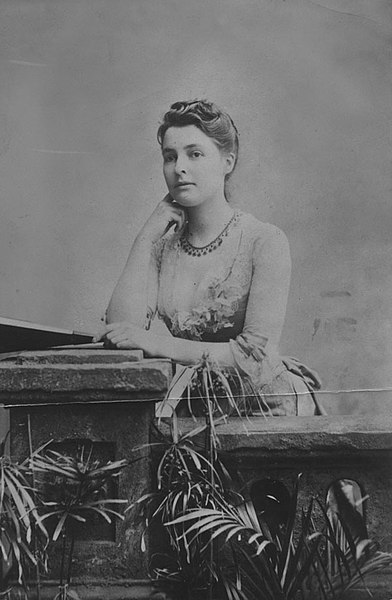 File:Beatrice Webb, c1875 (3835964547).jpg