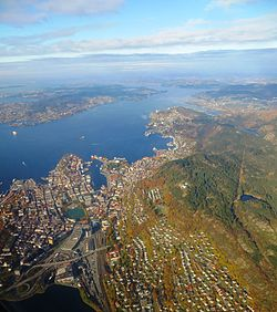 Bergen landdistrikt included the areas south of the city centre (the small bay and peninsula in the centre of the photo) and on the east side, along the fjord.