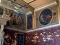 Berlin Neues Museum Niobidensaal gegen Bacchussaal.jpg