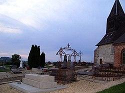 Berlise église fortifiée (clocher et cimetière).jpg