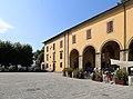 Bibbiena, logge della piazza tarlati.jpg