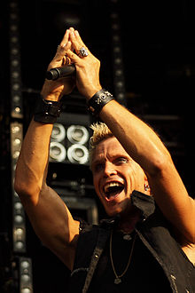 Billy Idol - picture by Simone van den Boom.jpg