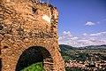 Biserica fortificată din Saschiz vazuta de la Cetatea Taraneasca.jpg