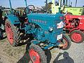 Blauer-Hanomag-Traktor.jpg