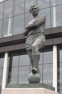 Statue of Bobby Moore, Wembley sculpture by Philip Jackson
