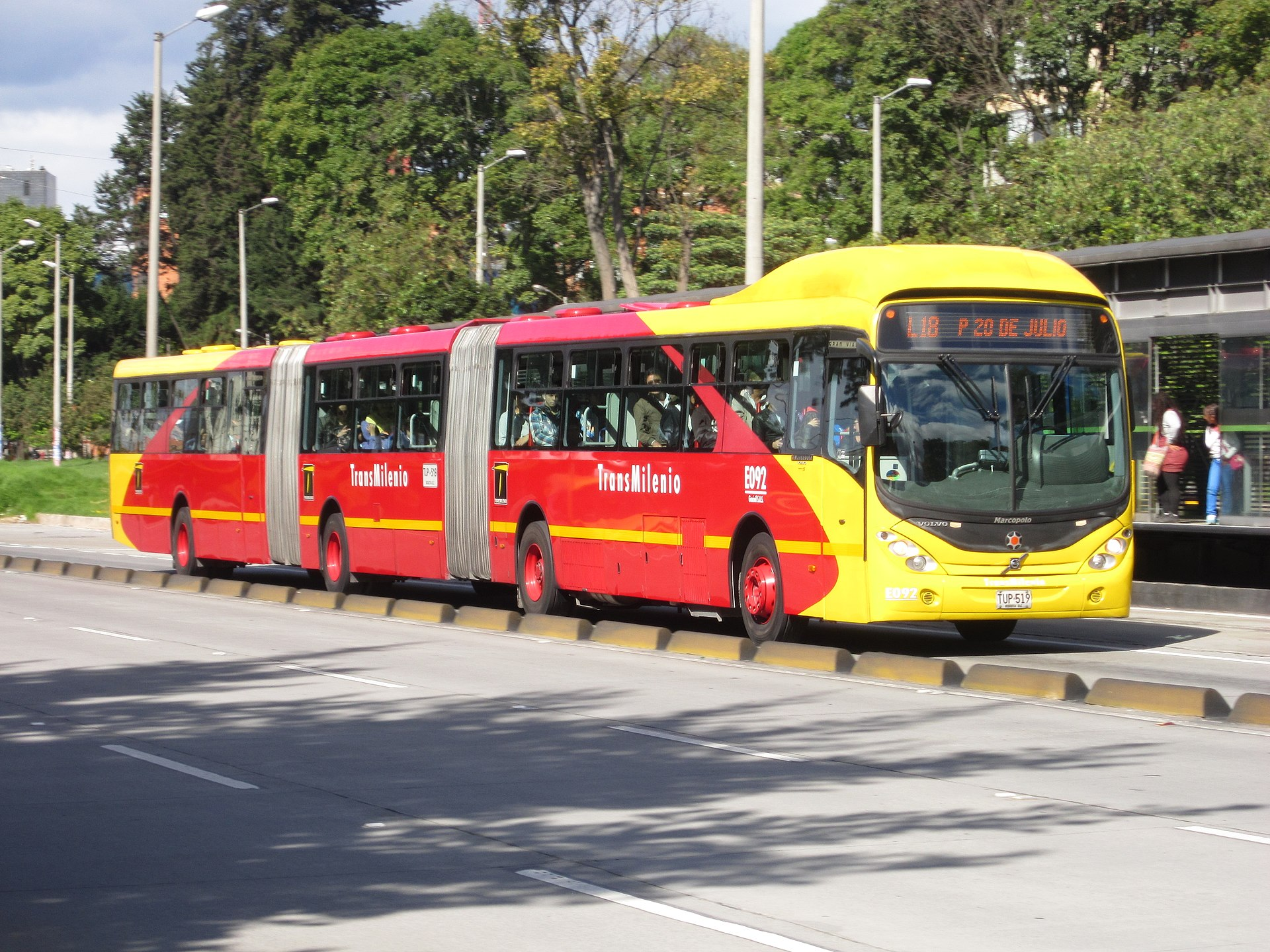 Autobús - Wikipedia, la enciclopedia libre