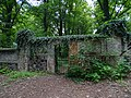 Bohnice, ústavní hřbitov, západní branka.jpg