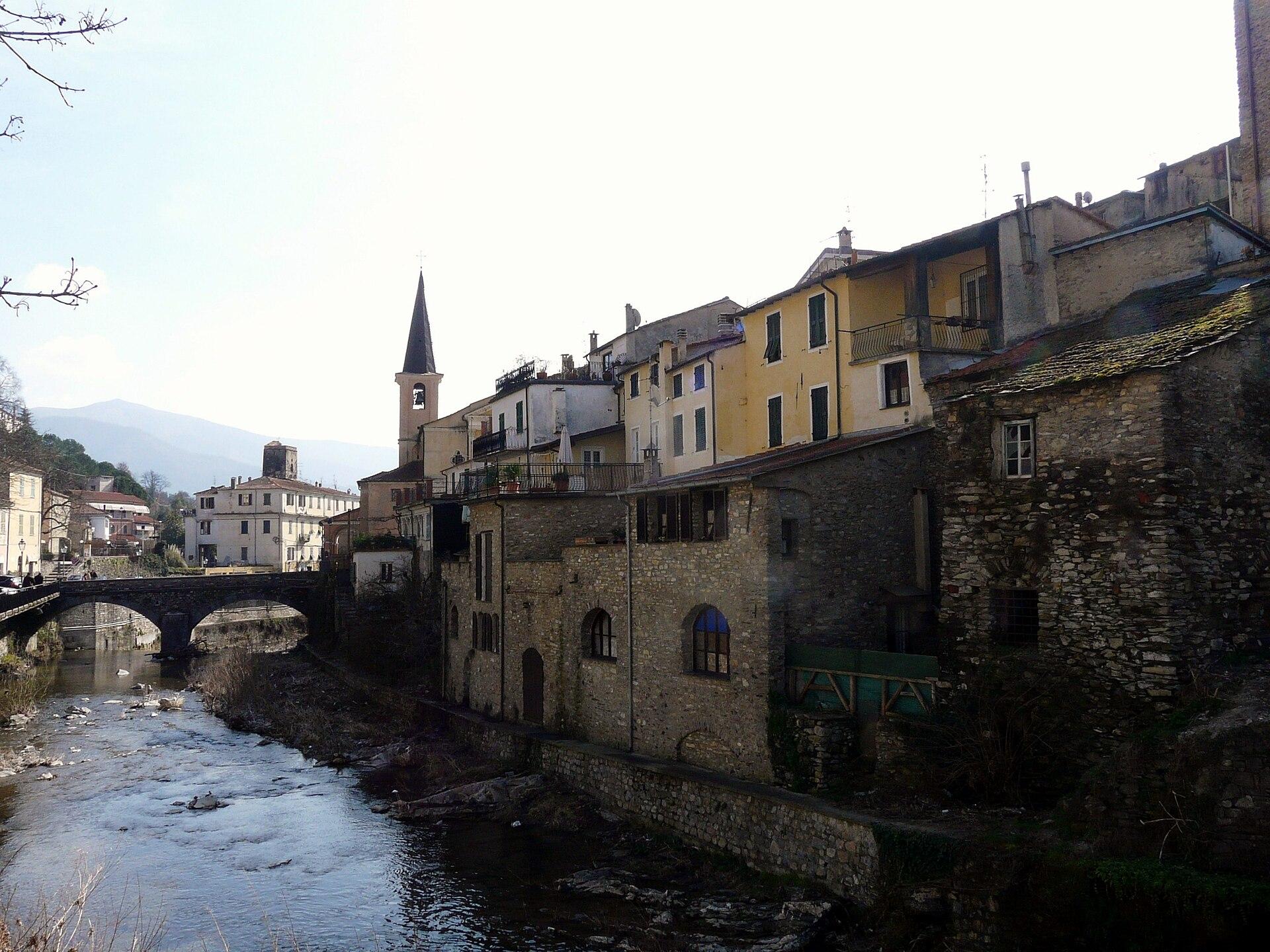 Ville Di San Pietro Borgomaro