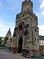 Braubach – Kriegerehrenmal und Barbarakirche - panoramio.jpg