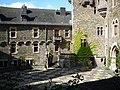 Braunfels - Schloß der Grafen von Solms-Braunfelsm Haupthof.jpg