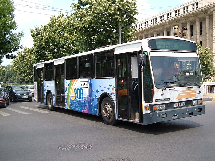 700px-Bucharest_RocarDeSimon_bus_1138.jpg