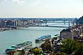 Budapest Donau Kreuzfahrtschiffe.jpg