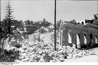 Effect of Allied bombing on Cagliari during the Second World War. Bundesarchiv Bild 101I-468-1415-35, Suditalien, Hauserruinen.jpg