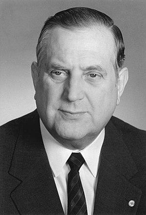 Alexander Schalck-Golodkowski in 1988 - ADN-ZB Brüggmann 17.3.88 Berlin: Dr. jur. Alexander Schalck-Golodkowski; Mitglied des ZK der SED, Staatssekretär im Ministerium für Außenhandel.