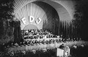 Bundesarchiv Bild 183-S86364, Leipzig, III. FDJ-Parlament, Eröffnung