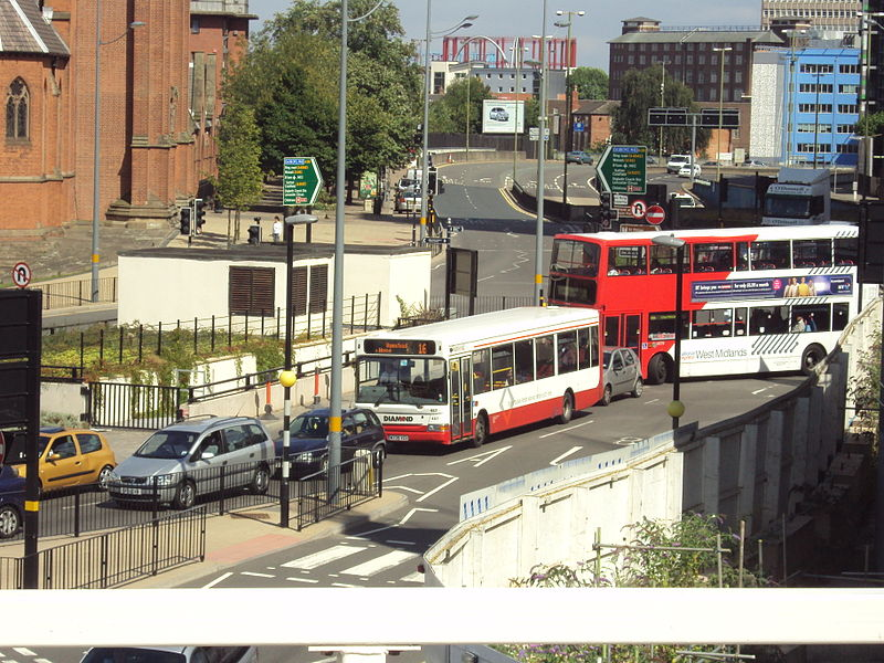 File:Buses, seen from Birmingham Snow Hill railway station - DSC08884.JPG